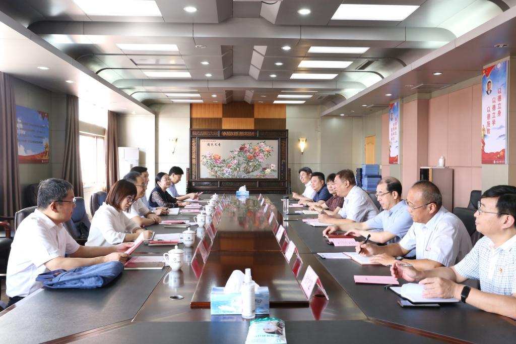 省委教育工委副书记冯继康到我校调研指导党建工作